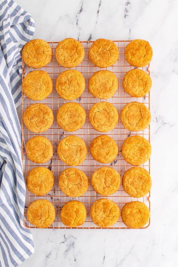 overhead looking down on cookies on cooling rack
