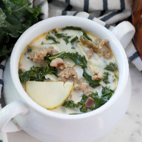 closeup finished Zuppa Toscana soup on bowl