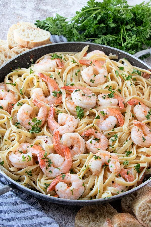Shrimp Scampi Pasta in skillet