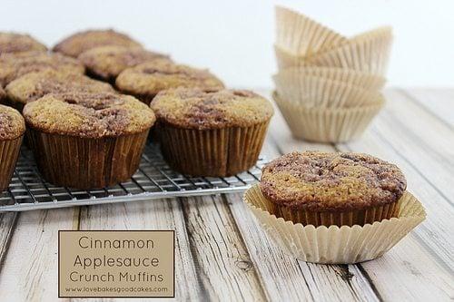 Cinnamon Applesauce Crunch Muffins