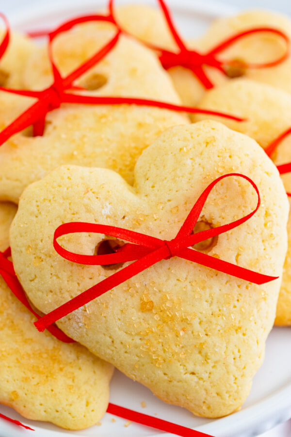 Heart & Bows Cookies for Valentine's Day