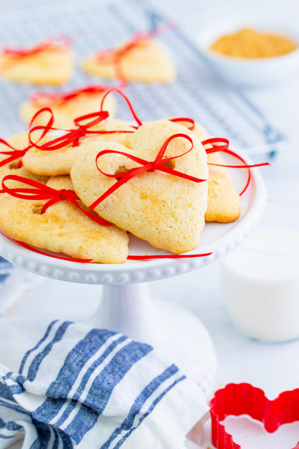cookies on a small cake stand