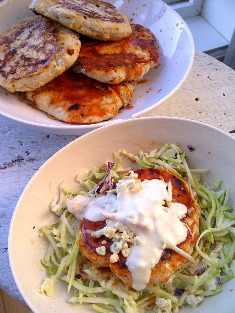 Buffalo Chicken Patties With Blue Cheese Slaw - www.soliloquyoffood.com