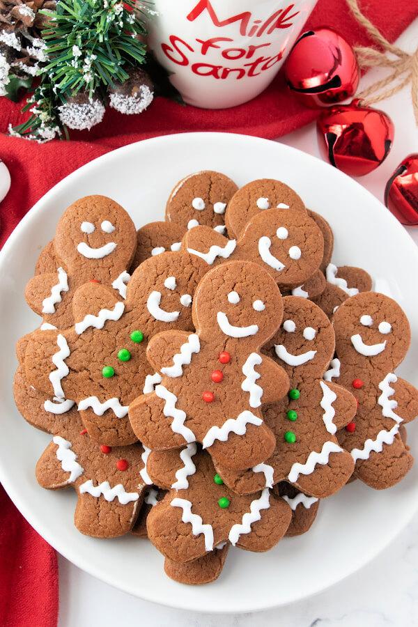 chocolate gingerbread men cookies on plate