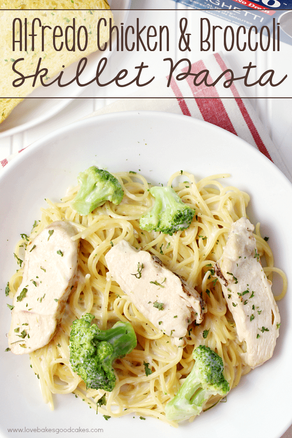 AD – Alfredo Chicken & Broccoli Skillet Pasta