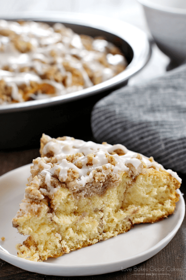Cinnamon Roll Crumb Cake image