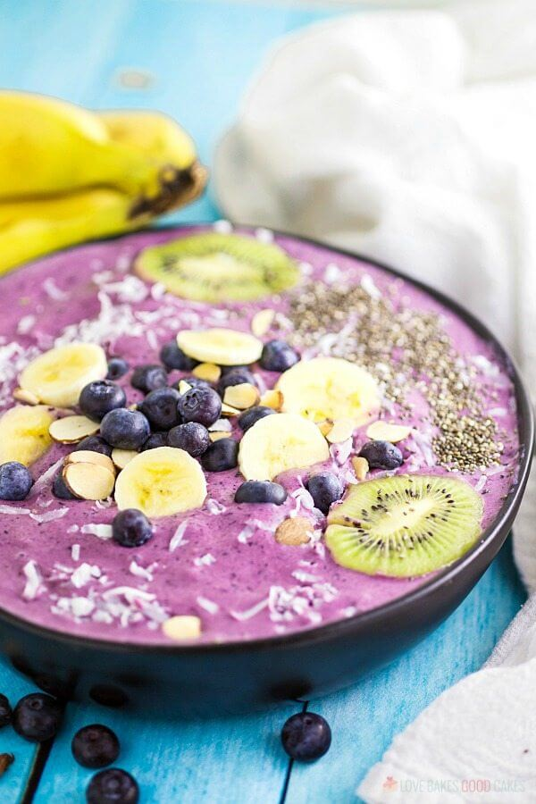 Blueberry Banana Smoothie Bowl in a bowl with fresh fruit.