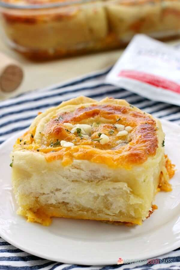 Cheesy Garlic Bread Cinnamon Rolls Love Bakes Good Cakes