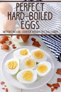 hero image - perfect hard-boiled eggs on a place