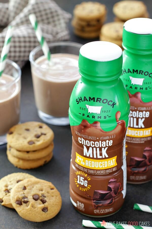 Shamrock Farms milk with cookies