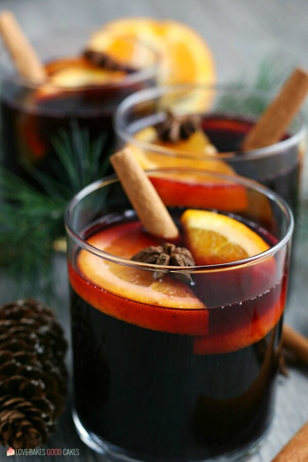 A finished image of the completed mulled wine recipe.