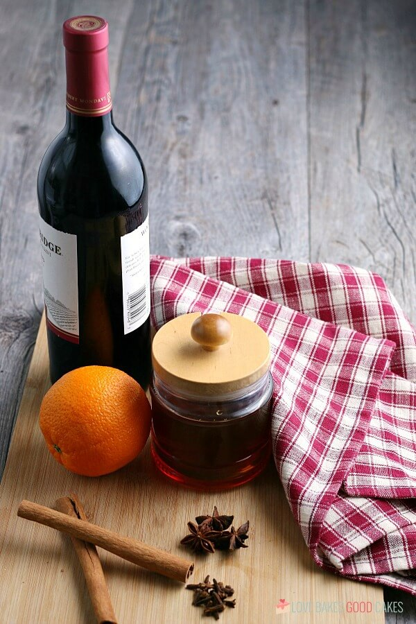 All the ingredients needed for how to make mulled wine.