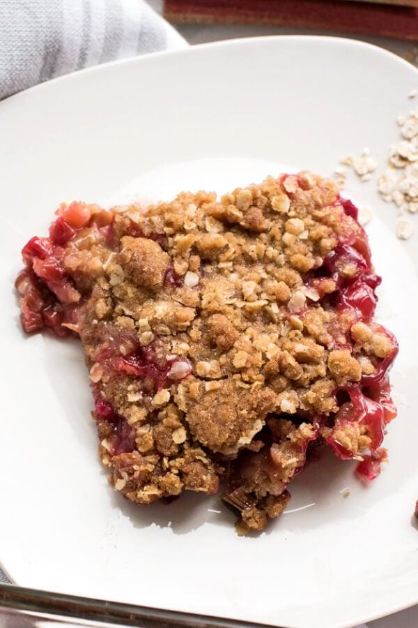 overhead shot of a scoop of rhubarb crisp on a plate
