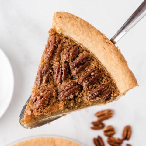 slice of pie on pie knife