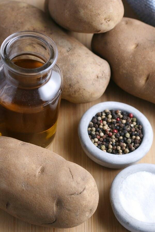 ingredients to make baked potatoes