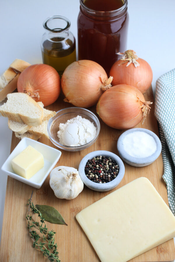 ingredients to make French Onion Soup