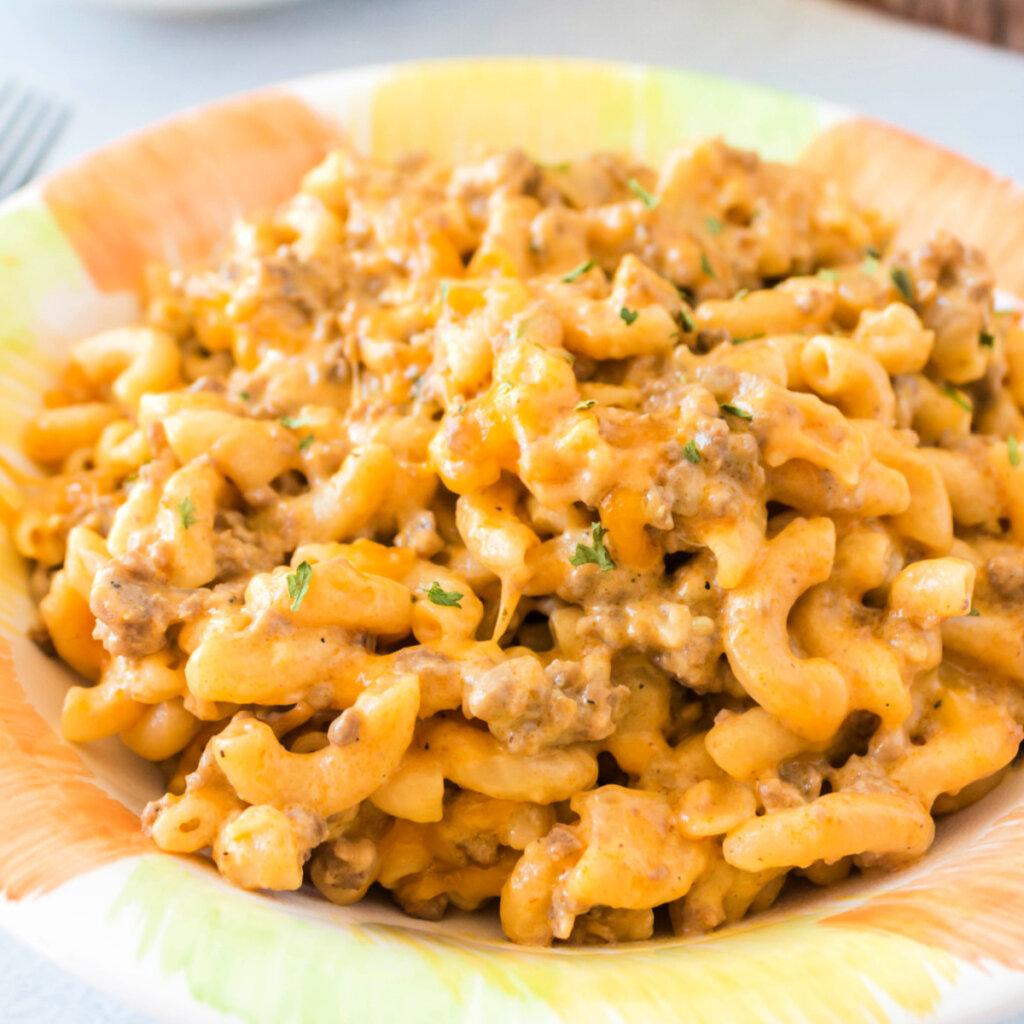 closeup one pot cheeseburger pasta